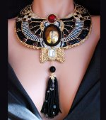 Beautiful-Egyptian-Themed-Collar-Necklace-2.jpg